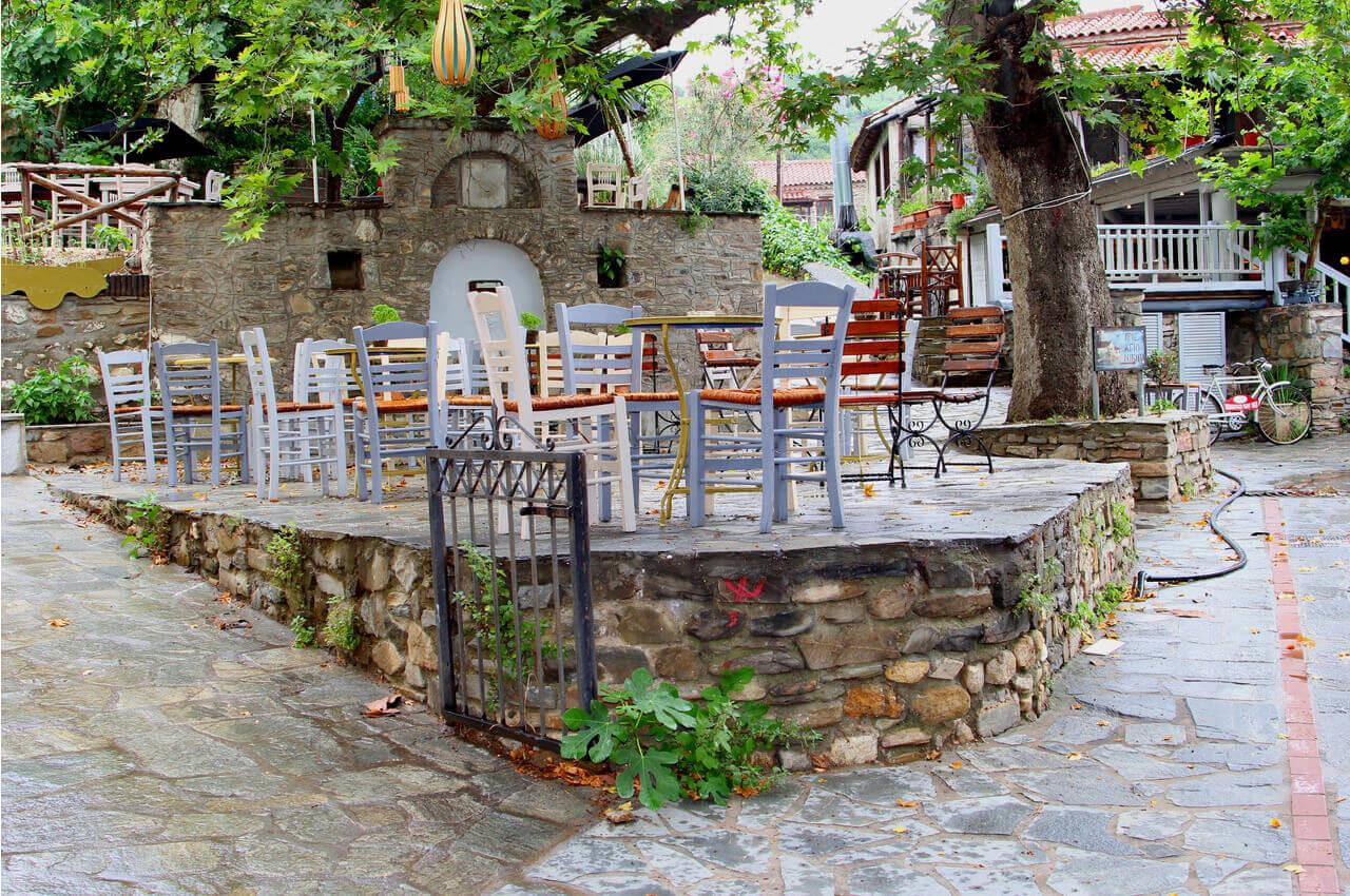 5 Παραδοσιακοί οικισμοί της Χαλκιδικής που αξίζει να επισκεφθείτε - Παλαιόκαστρο - Alpha Drive Rent a Car