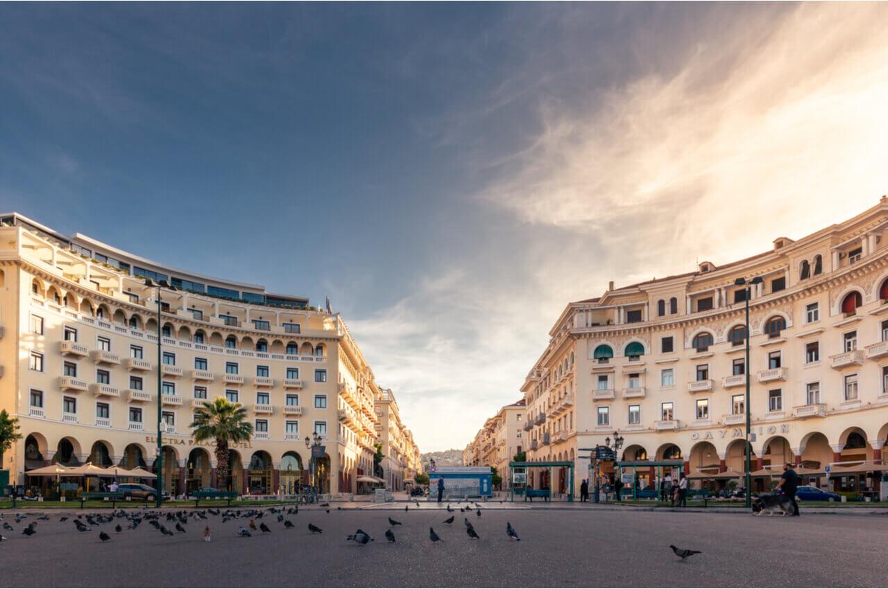 Αξιοθέατα της Θεσσαλονίκης -πλατεία Αριστοτέλους-Alphadrive rent a car